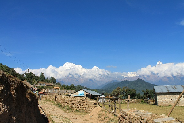 view of the annapurnas from australian camp.
